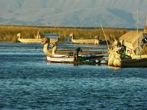 лодки озера титикака